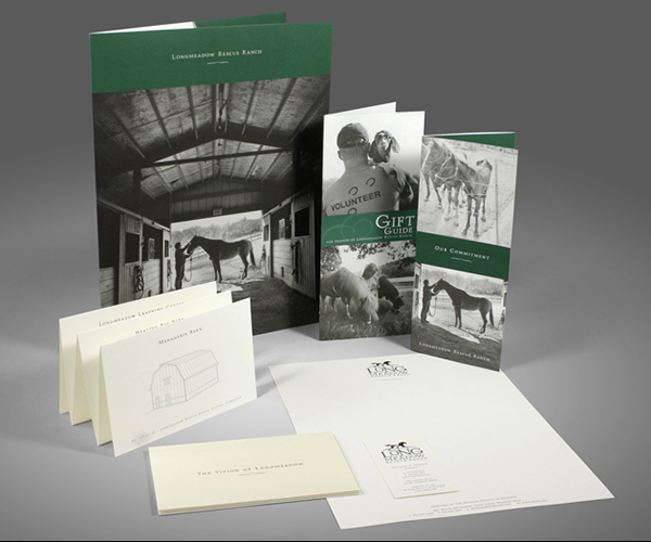 Campaign campaign materials include a folder, brochure, small brochures, building sketches and stationery